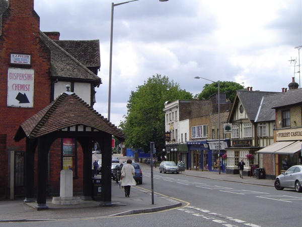 loughton high road by peter house and carol murray.jpg