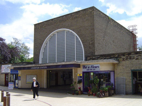 loughton station by peter house and carol murray.jpg